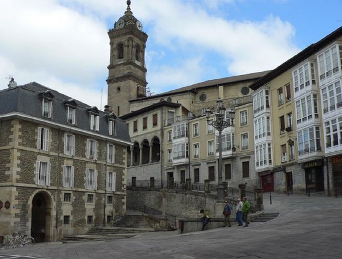 Iglesia de San Vicente Martir en Vitoria-Gasteiz, las cuatro torres.