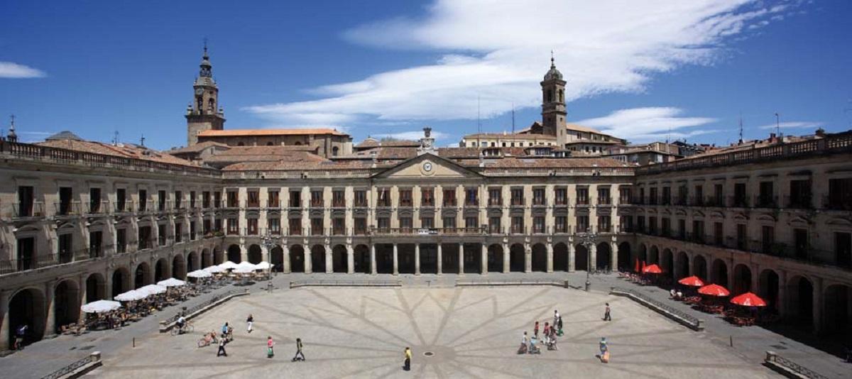 La plaza nueva en Vitoria-Gasteiz plaza España