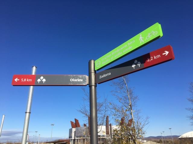 señalizacion anillo verde de salburua ataria en Vitoria-Gasteiz turismo vitoria