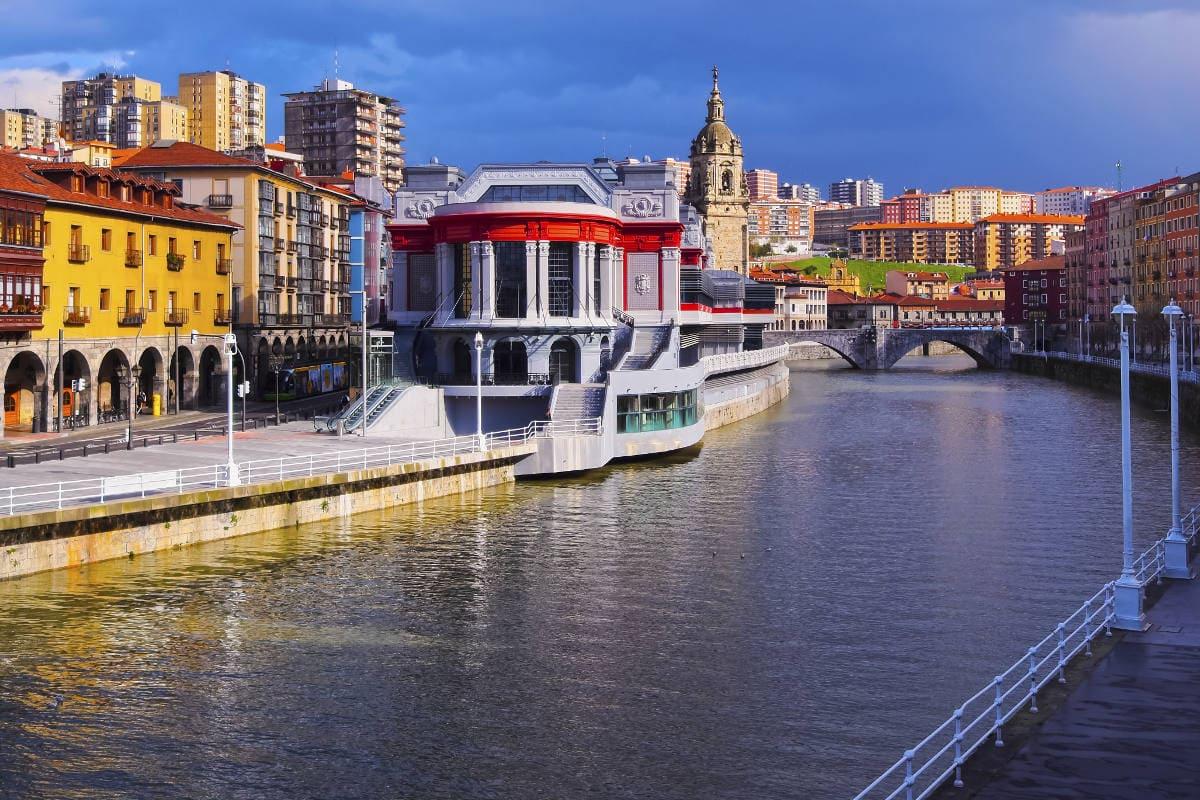 El mercado de la Ribera en Bilbao visita guiada.
